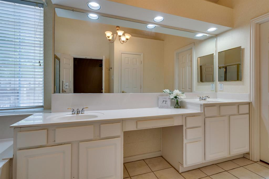 3417 Beckingham  Court, Flower Mound, Texas 75022 - acquisto real estate best realtor foreclosure real estate mike shepeherd walnut grove realtor