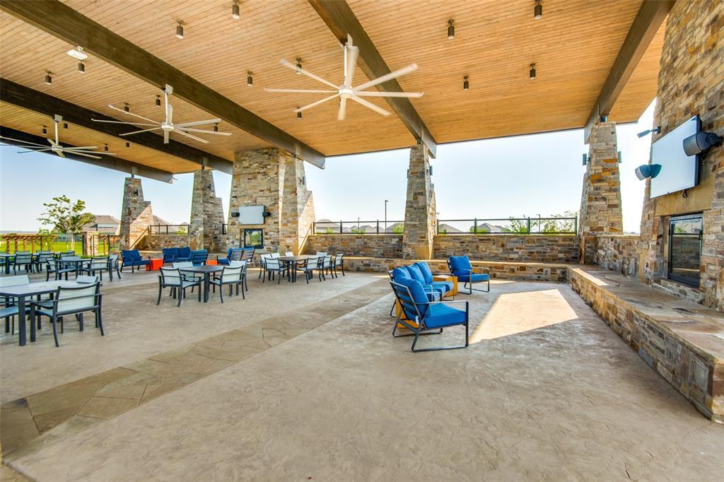 2805 Half Moon  Road, Aubrey, Texas 76227 - acquisto real estate best park cities realtor kim miller best staging agent