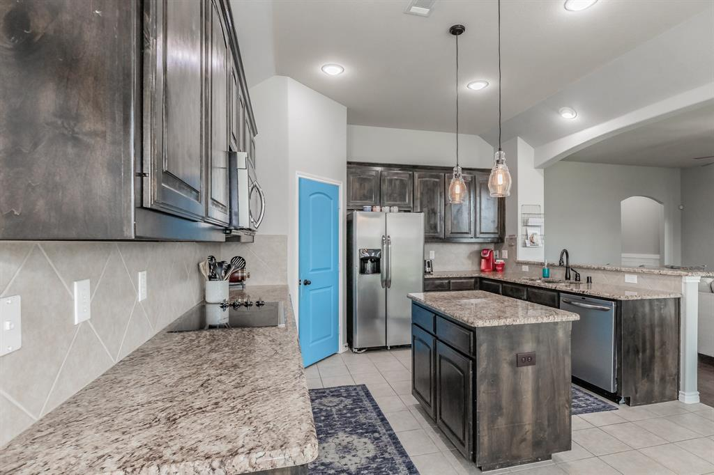 1204 Lantana  Lane, Burleson, Texas 76028 - acquisto real estate best real estate company to work for