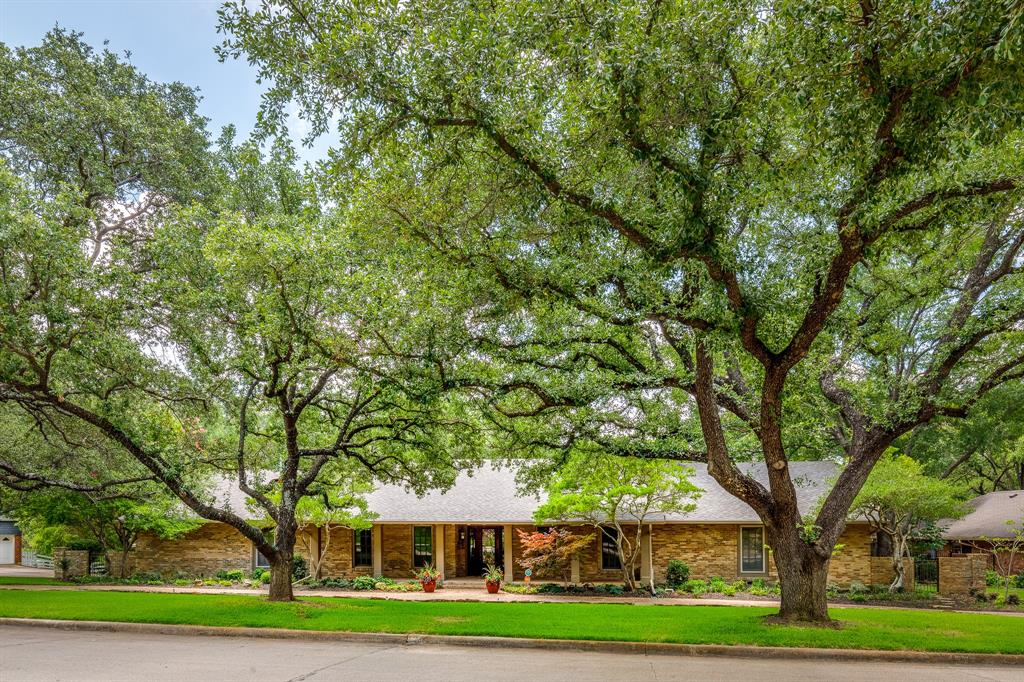 6556 Meadowcreek  Drive, Dallas, Texas 75254 - Acquisto Real Estate best plano realtor mike Shepherd home owners association expert