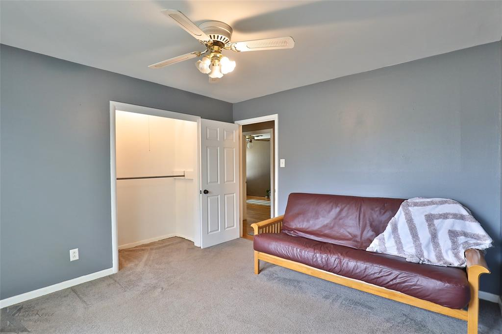 1402 Glenhaven  Drive, Abilene, Texas 79603 - acquisto real estate best realtor foreclosure real estate mike shepeherd walnut grove realtor