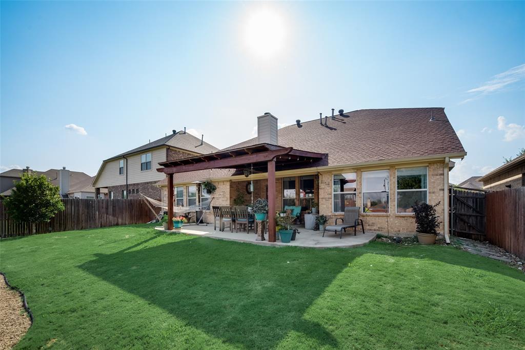 5709 Eagle Mountain  Drive, Denton, Texas 76226 - acquisto real estate best negotiating realtor linda miller declutter realtor