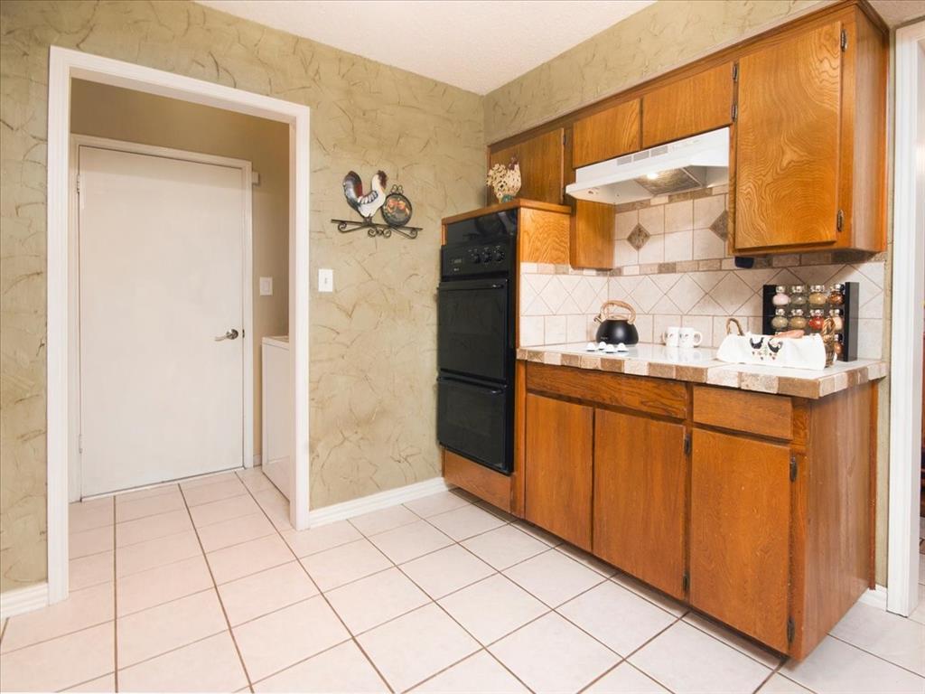 4700 Lone Oak  Drive, Arlington, Texas 76017 - acquisto real estate best new home sales realtor linda miller executor real estate