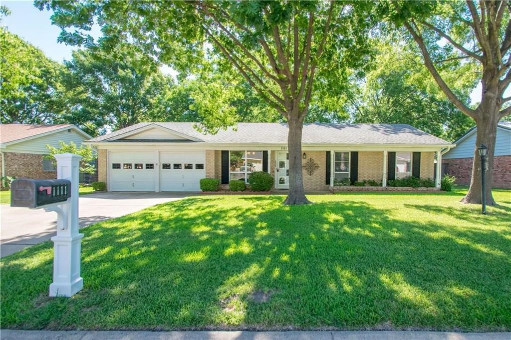1111 Johnson  Street, Benbrook, Texas 76126 - Acquisto Real Estate best plano realtor mike Shepherd home owners association expert