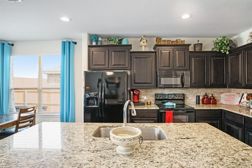 1215 Burlingame  Drive, Cleburne, Texas 76033 - acquisto real estate best highland park realtor amy gasperini fast real estate service