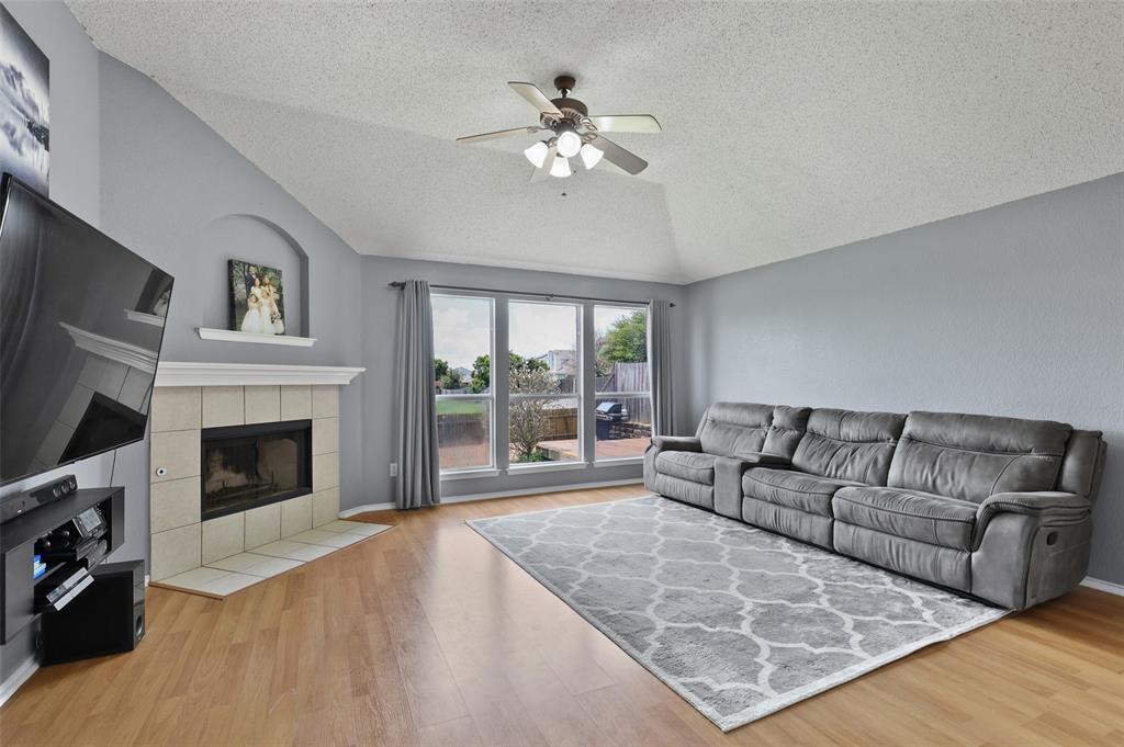 5601 Seafield  Lane, Fort Worth, Texas 76135 - acquisto real estate best celina realtor logan lawrence best dressed realtor
