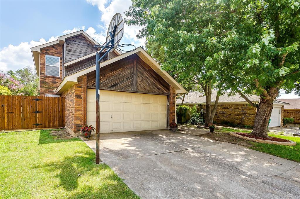 6028 Hillglen  Drive, Watauga, Texas 76148 - Acquisto Real Estate best plano realtor mike Shepherd home owners association expert