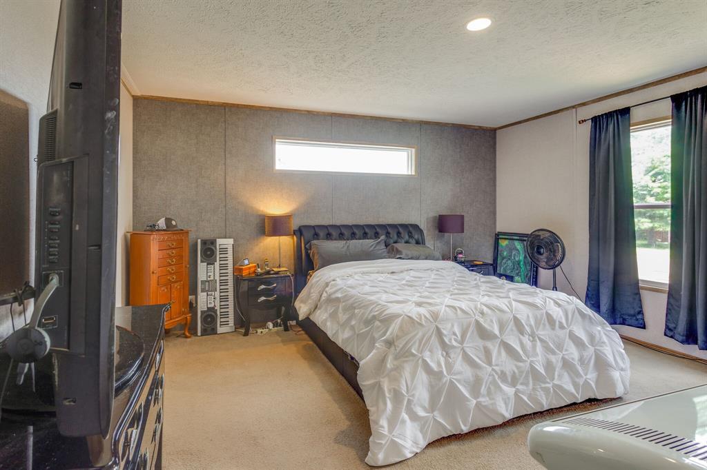 815 Whippoorwill  Drive, Granbury, Texas 76049 - acquisto real estate best luxury buyers agent in texas shana acquisto inheritance realtor