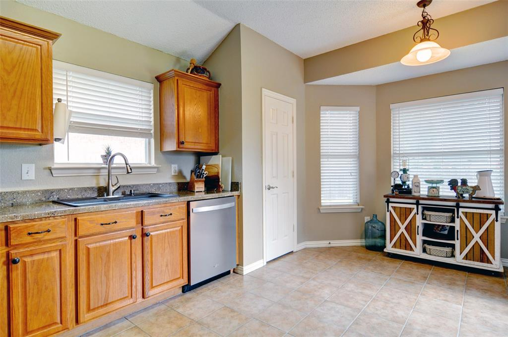4701 Bluebird  Mansfield, Texas 76063 - acquisto real estate best real estate company to work for