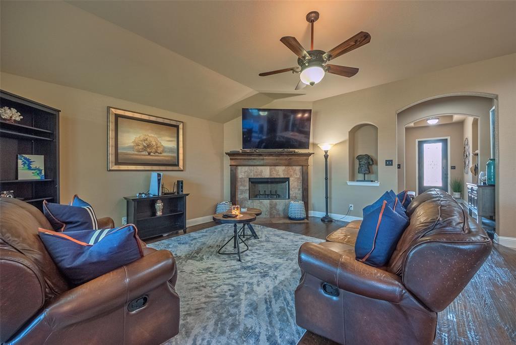 5617 Iceberg  Court, Midlothian, Texas 76065 - acquisto real estate best celina realtor logan lawrence best dressed realtor