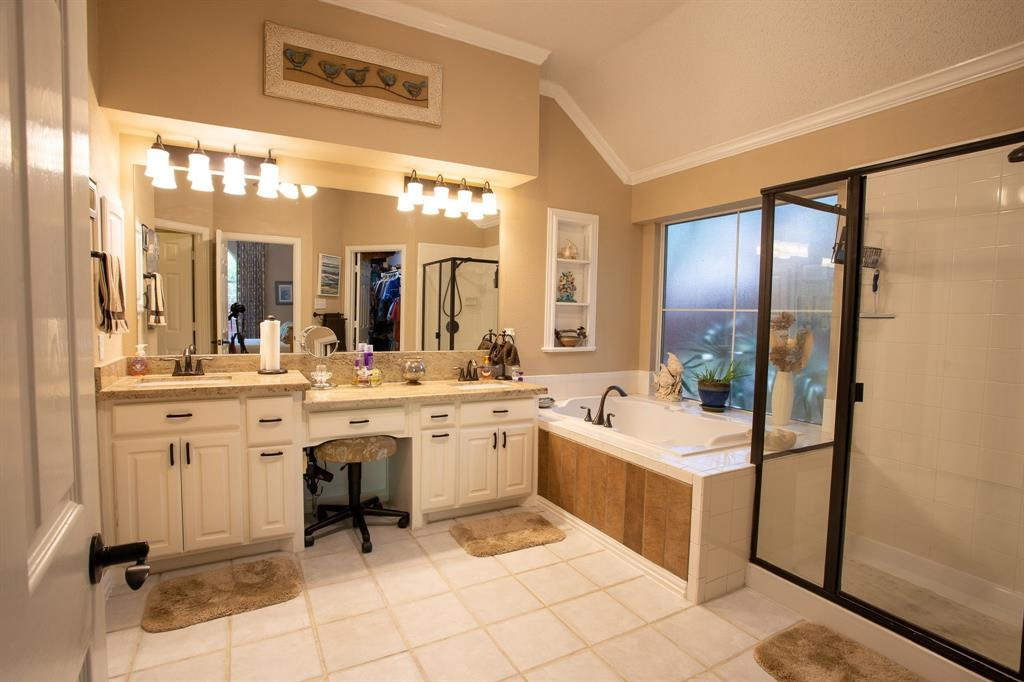 8817 Trails Edge  Drive, North Richland Hills, Texas 76182 - acquisto real estate best new home sales realtor linda miller executor real estate