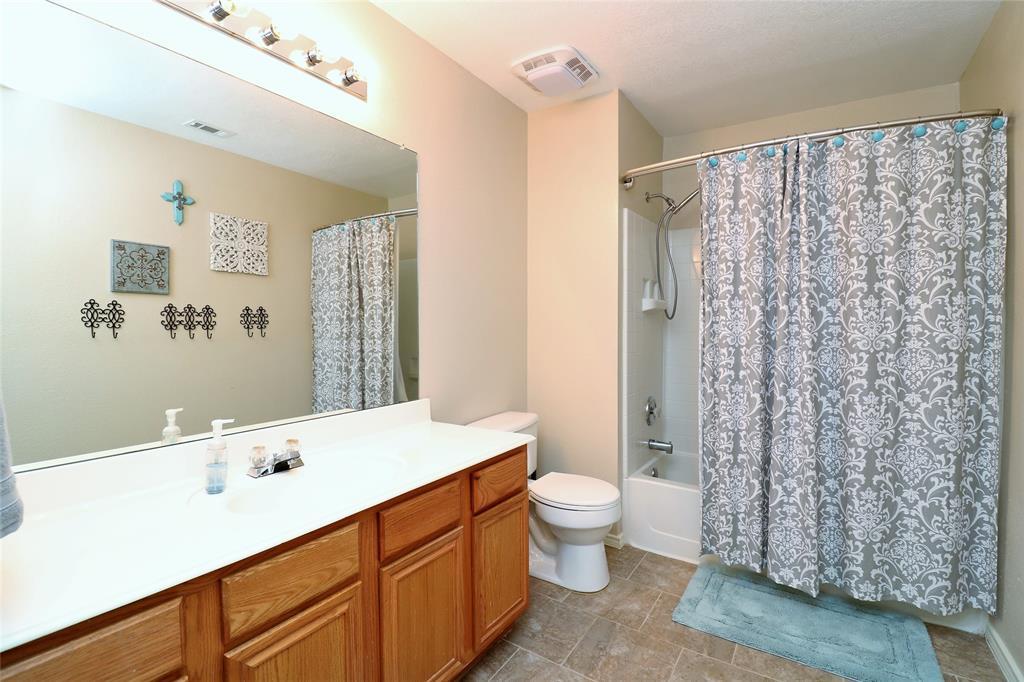 2208 Eden Green  Drive, Arlington, Texas 76001 - acquisto real estate best frisco real estate agent amy gasperini panther creek realtor