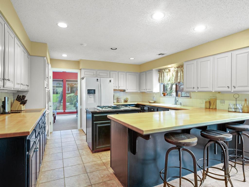 505 Oak Hollow  Lane, Fort Worth, Texas 76112 - acquisto real estate best flower mound realtor jody daley lake highalands agent of the year
