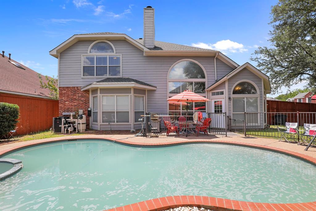 4204 Debbie  Drive, Grand Prairie, Texas 75052 - acquisto real estate agent of the year mike shepherd
