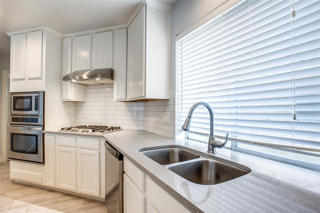 8400 Beartooth  Drive, Frisco, Texas 75036 - acquisto real estate best frisco real estate broker in texas for high net worth buyers