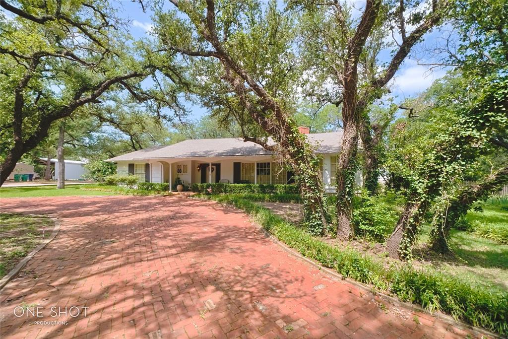 307 Hillcrest  Avenue, Eastland, Texas 76448 - acquisto real estate best allen realtor kim miller hunters creek expert