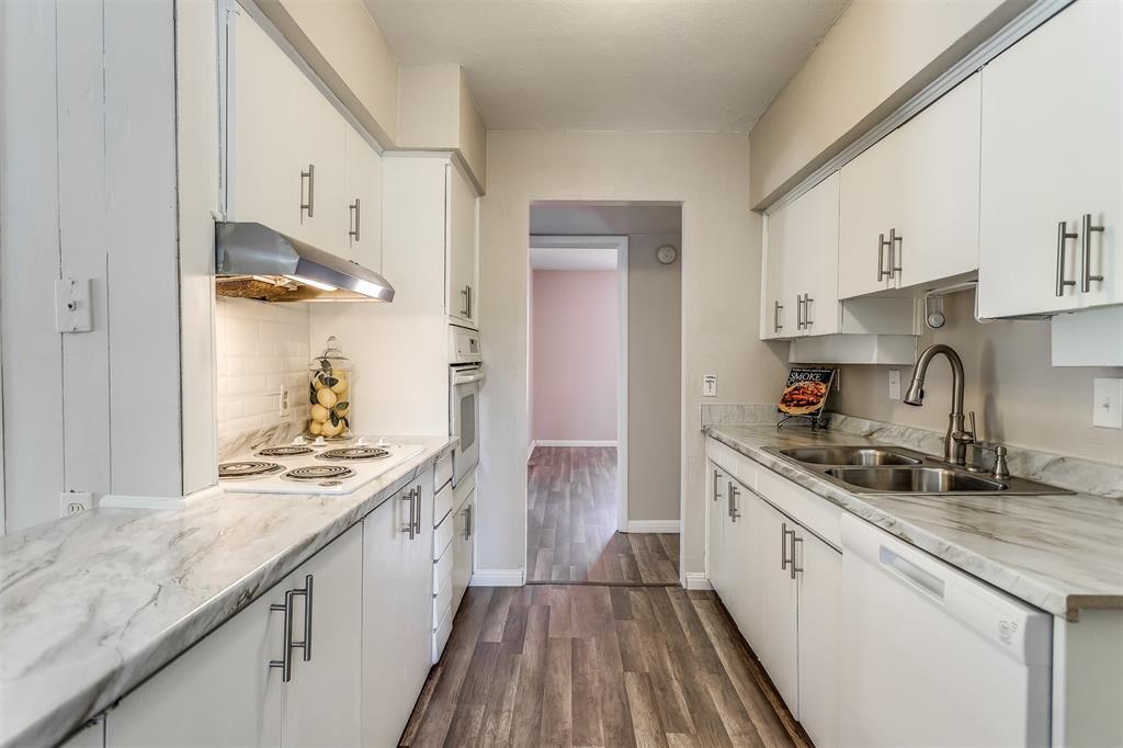 3036 Silverton  Drive, Dallas, Texas 75229 - acquisto real estate best designer and realtor hannah ewing kind realtor