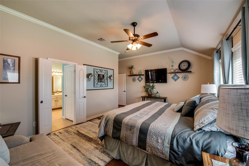 5709 Eagle Mountain  Drive, Denton, Texas 76226 - acquisto real estate best listing agent in the nation shana acquisto estate realtor