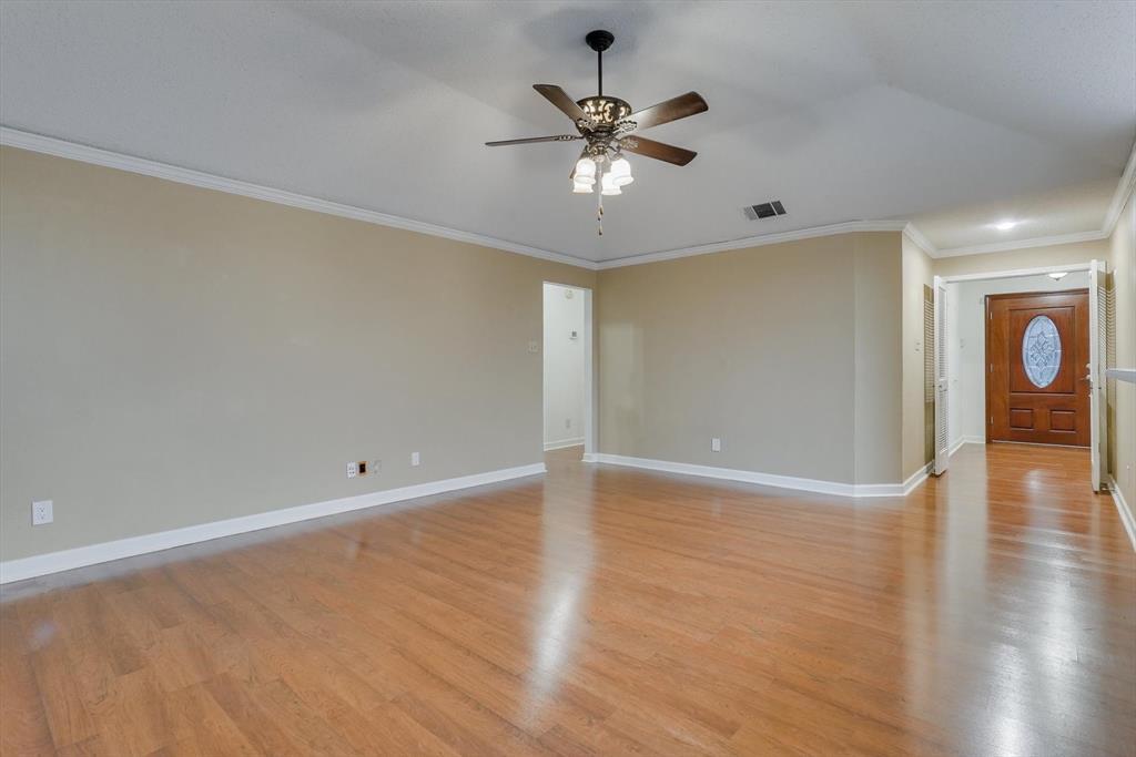 1662 Crosshaven  Drive, Lewisville, Texas 75077 - acquisto real estate best designer and realtor hannah ewing kind realtor
