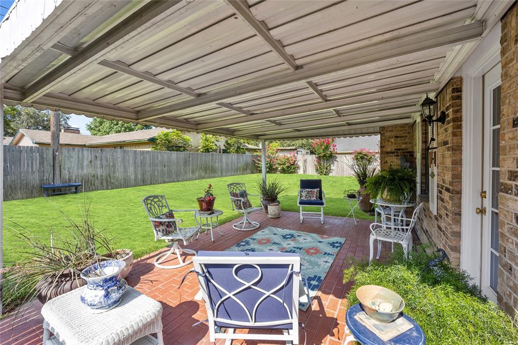 2002 Benjamin  Road, Irving, Texas 75060 - acquisto real estate best realtor dfw jody daley liberty high school realtor