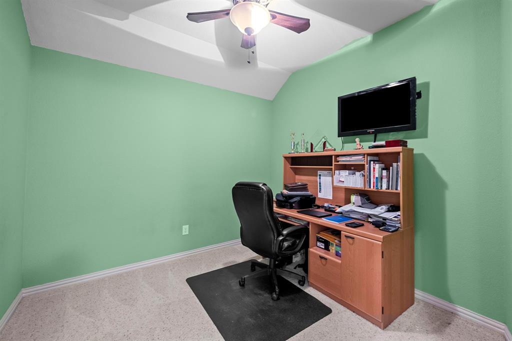 405 Bryn Mawr  Lane, Van Alstyne, Texas 75495 - acquisto real estate best investor home specialist mike shepherd relocation expert