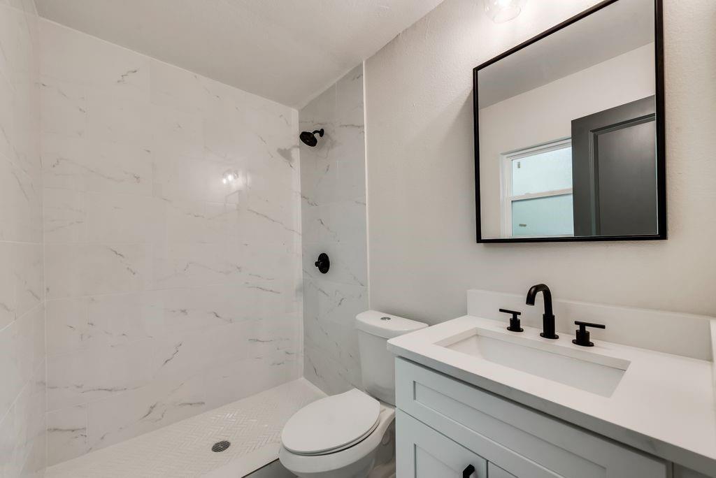 1237 Fuller  Drive, Dallas, Texas 75218 - acquisto real estate best highland park realtor amy gasperini fast real estate service