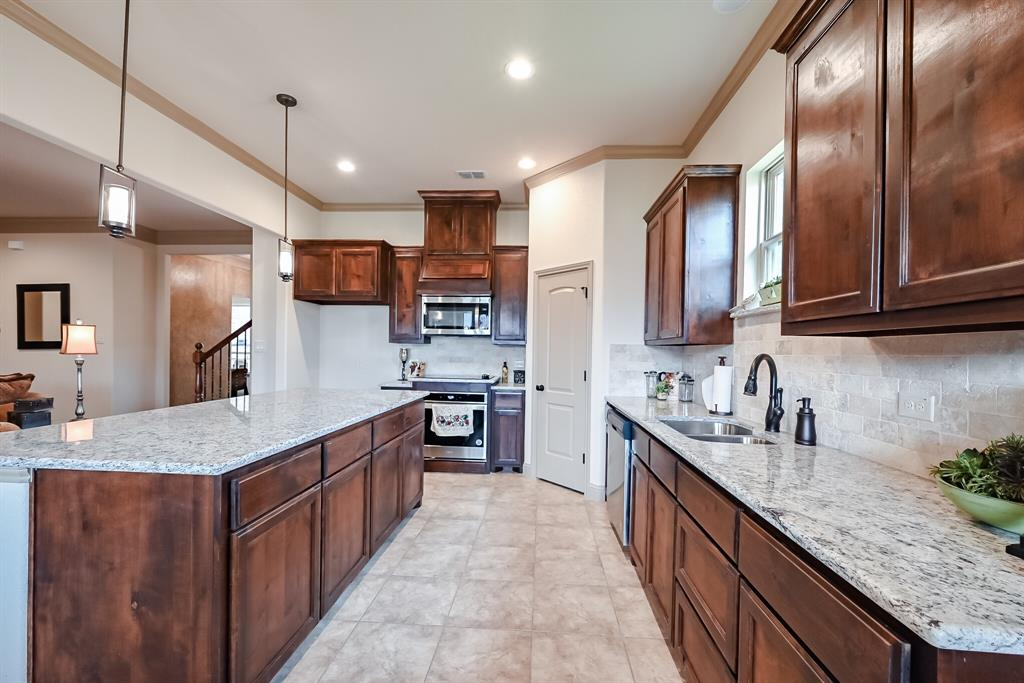 3016 Capital Hill  Drive, Burleson, Texas 76028 - acquisto real estate best frisco real estate broker in texas for high net worth buyers