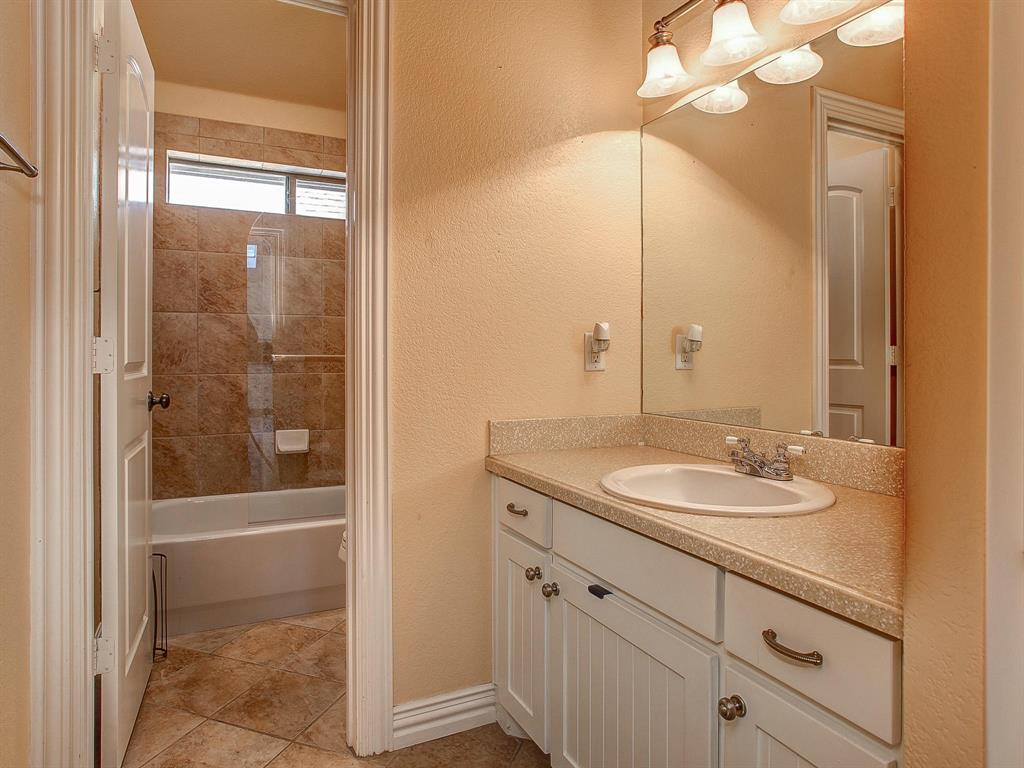 2136 Portwood  Way, Fort Worth, Texas 76179 - acquisto real estate best realtor westlake susan cancemi kind realtor of the year