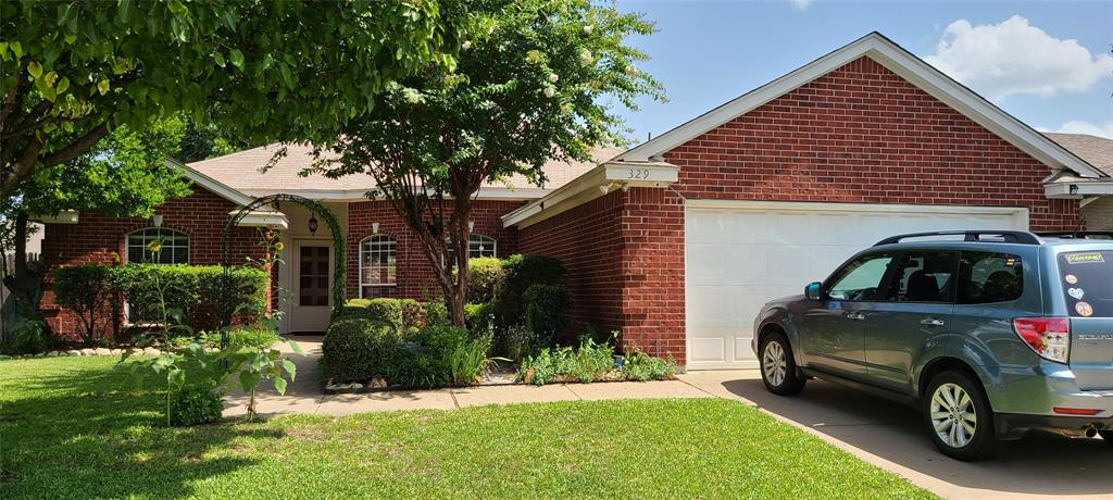 329 Willowstone  Trail, Saginaw, Texas 76179 - Acquisto Real Estate best plano realtor mike Shepherd home owners association expert