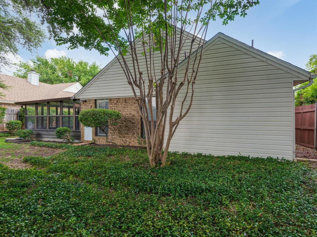 1409 Autumn Chase  Square, Bedford, Texas 76022 - acquisto real estate best looking realtor in america shana acquisto