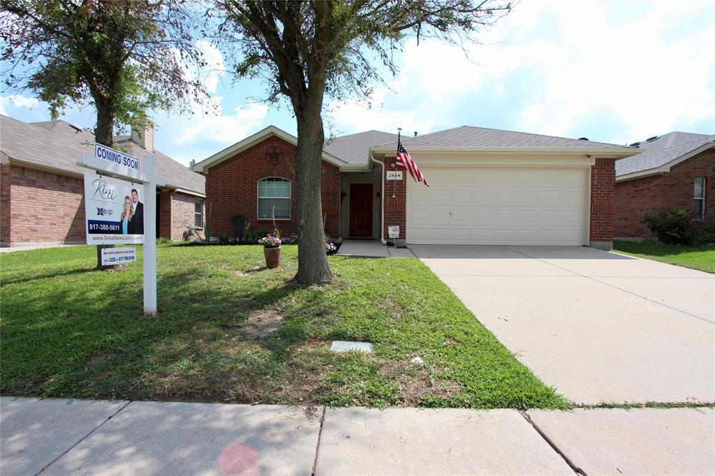 2844 Milby Oaks  Drive, Fort Worth, Texas 76244 - Acquisto Real Estate best plano realtor mike Shepherd home owners association expert