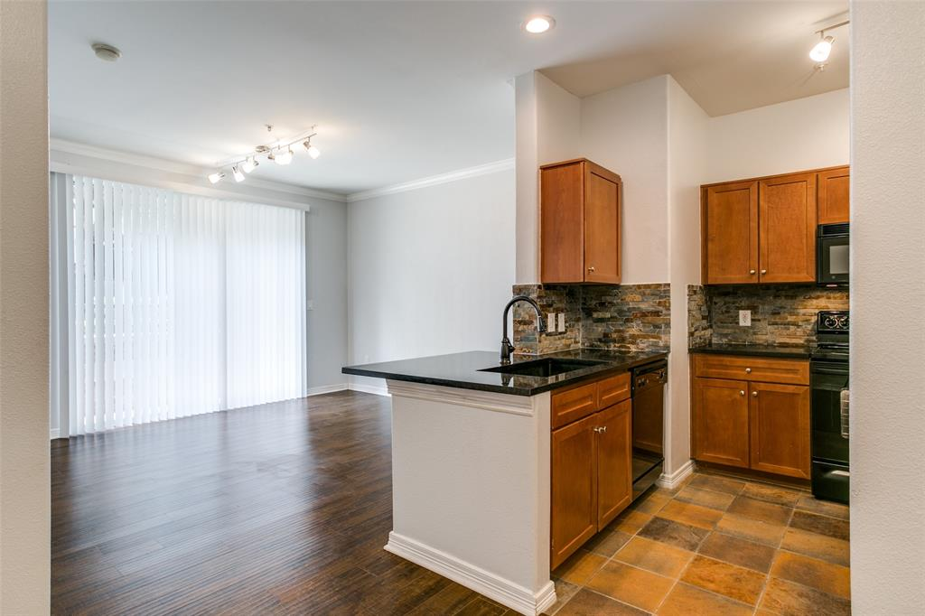 330 Las Colinas  Boulevard, Irving, Texas 75039 - acquisto real estate best real estate company to work for