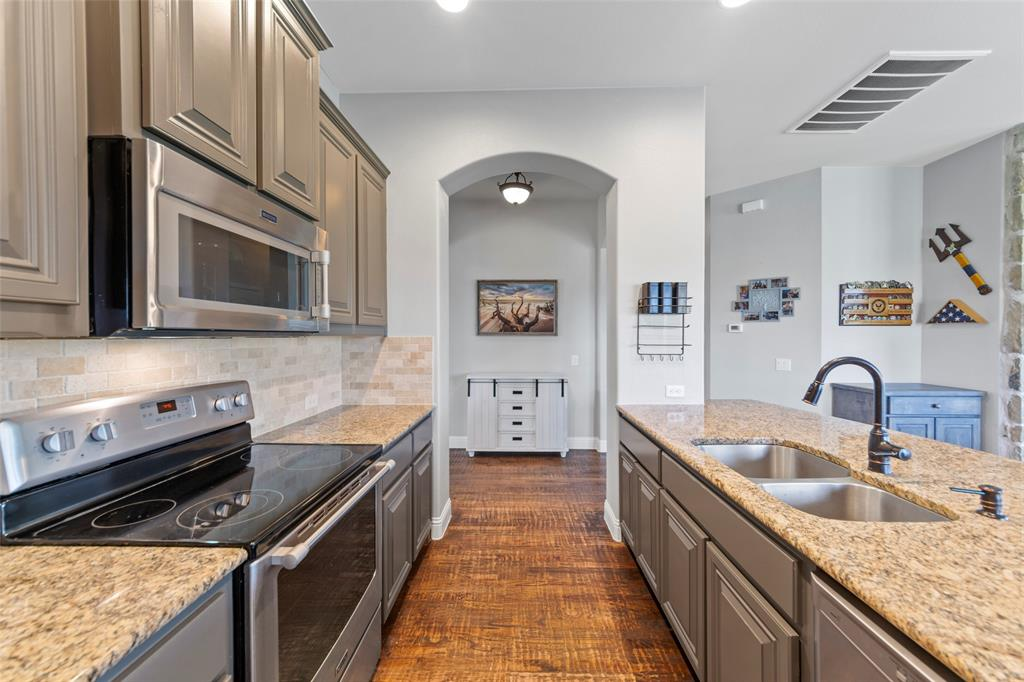 306 The Trails  Drive, Blue Ridge, Texas 75424 - acquisto real estate best real estate company in frisco texas real estate showings