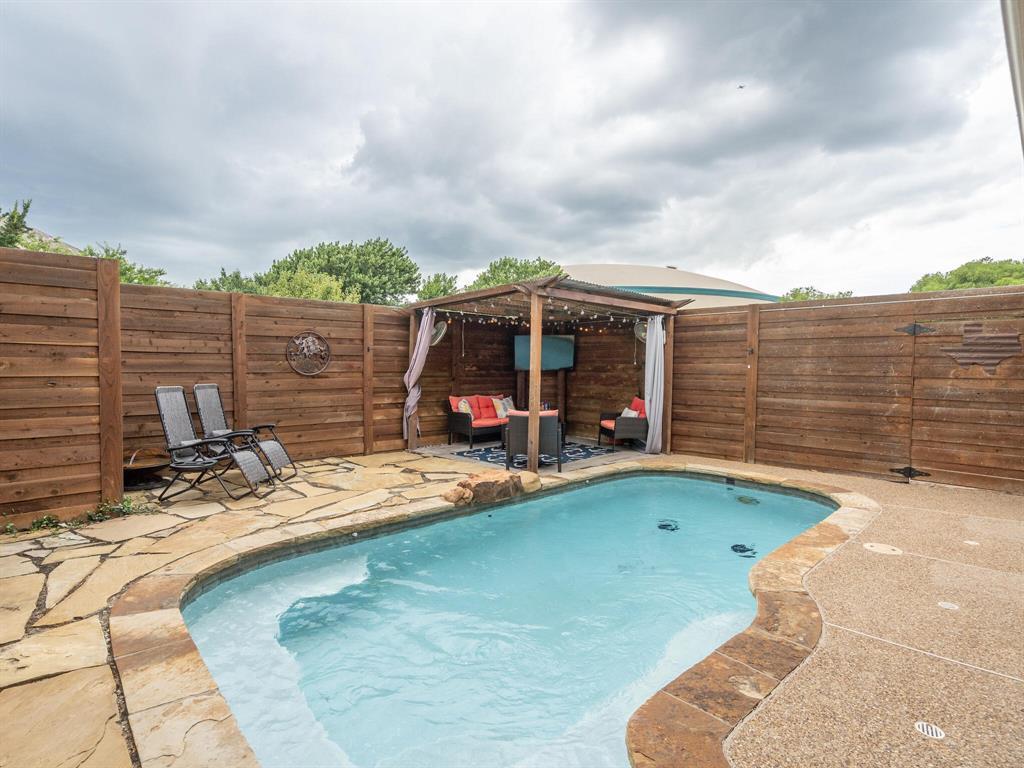 1854 Crosshaven  Drive, Lewisville, Texas 75077 - acquisto real estate best negotiating realtor linda miller declutter realtor