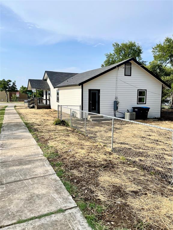 4451 6th  Avenue, Fort Worth, Texas 76115 - acquisto real estate best looking realtor in america shana acquisto