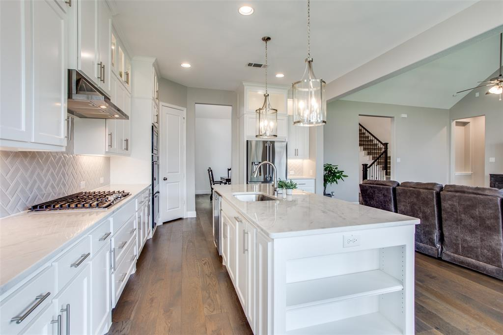 1920 Foxglen  Drive, Prosper, Texas 75078 - acquisto real estate best new home sales realtor linda miller executor real estate