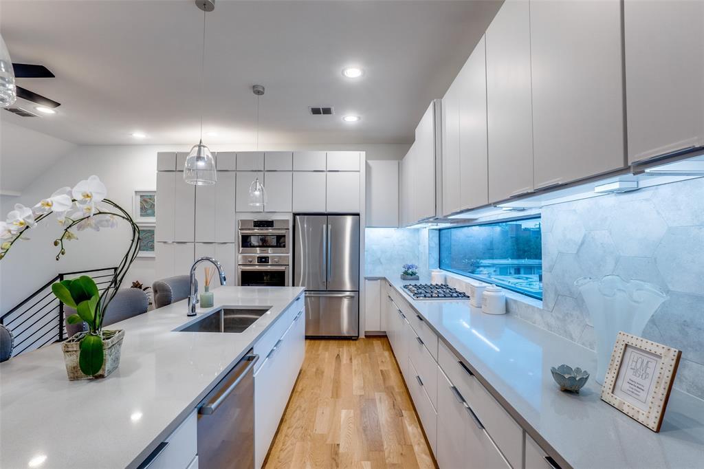4828 Caxton  Court, Dallas, Texas 75204 - acquisto real estate best photos for luxury listings amy gasperini quick sale real estate