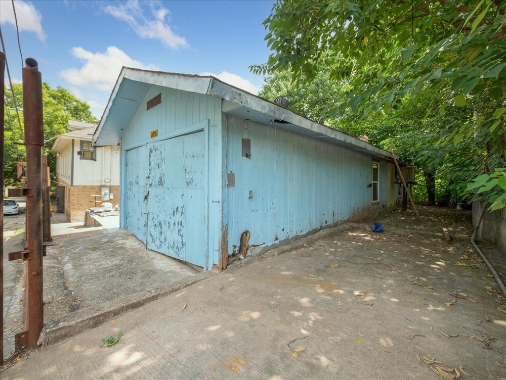 1850 Pollard  Street, Dallas, Texas 75208 - acquisto real estaet best boutique real estate firm in texas for high net worth sellers