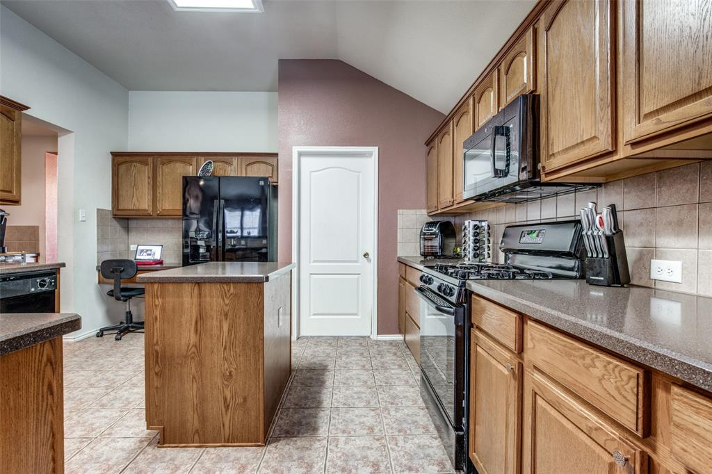 2100 Songbird  Drive, Forney, Texas 75126 - acquisto real estate best listing listing agent in texas shana acquisto rich person realtor