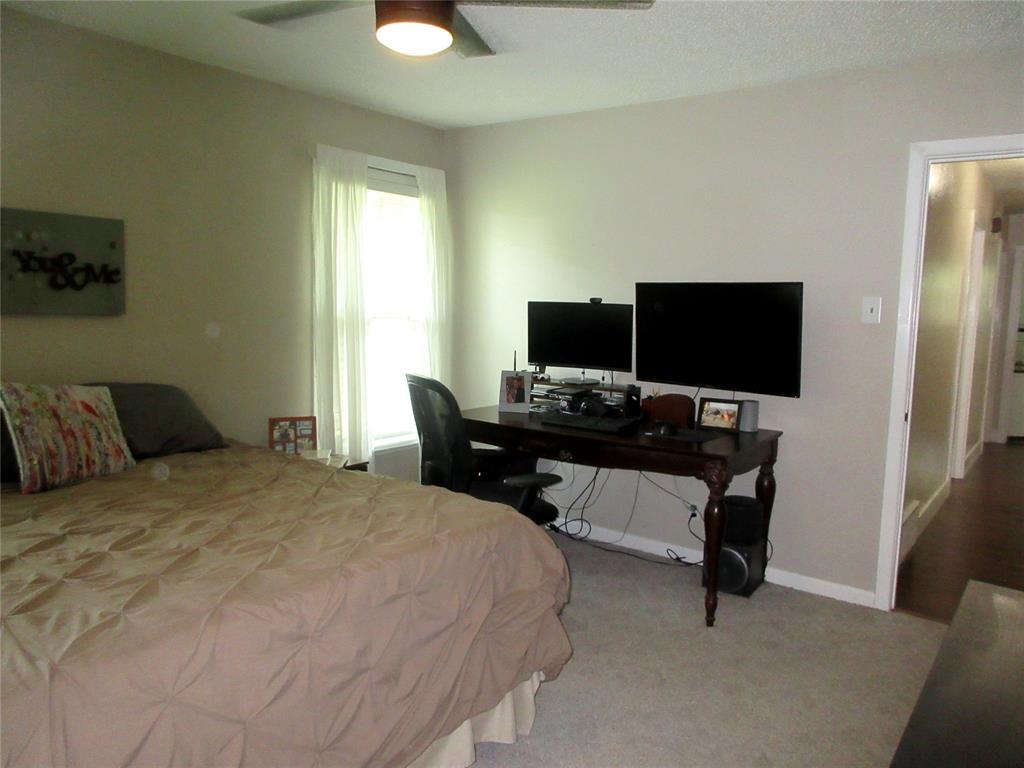 3828 London  Lane, Richland Hills, Texas 76118 - acquisto real estate best negotiating realtor linda miller declutter realtor