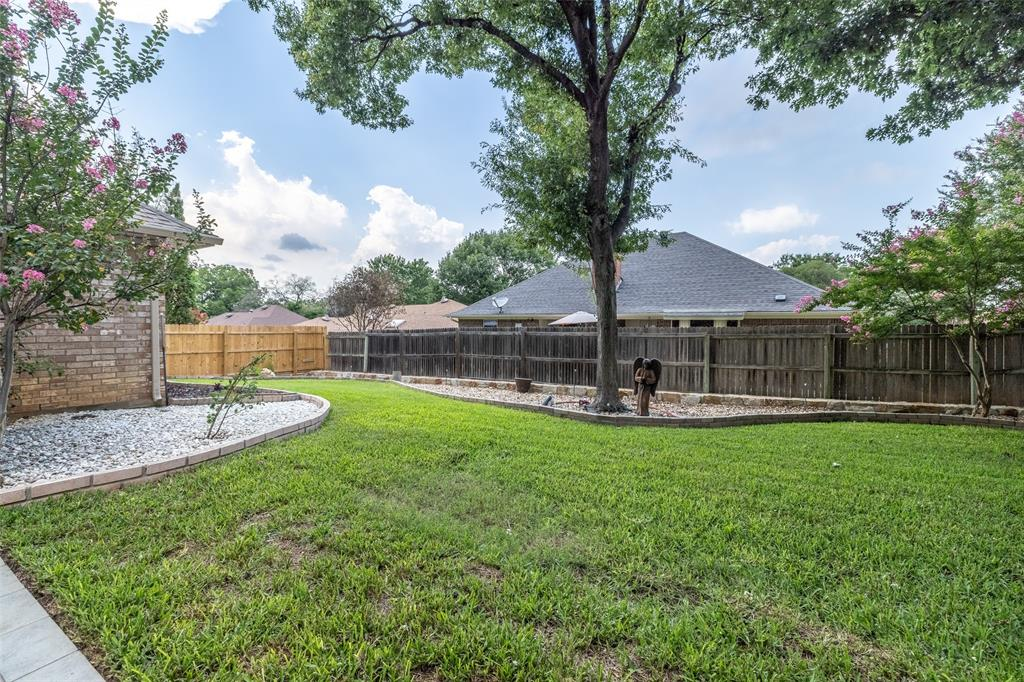 802 Glenn  Drive, Euless, Texas 76039 - acquisto real estate best real estate idx dilusso marketing mike acquisto