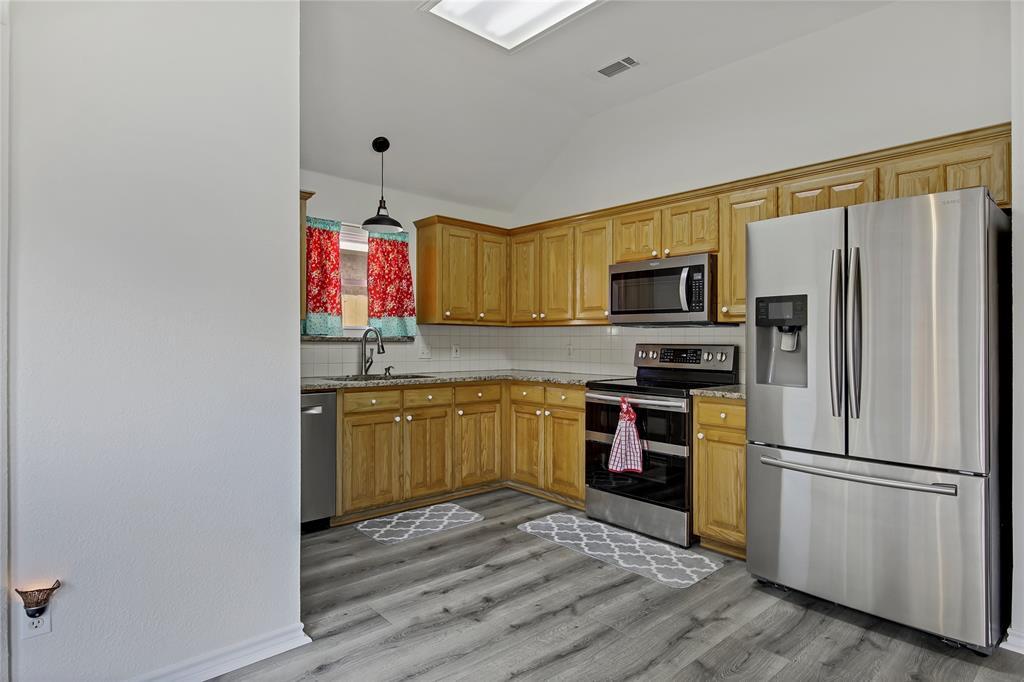 905 Canterbury  Drive, Saginaw, Texas 76179 - acquisto real estate best new home sales realtor linda miller executor real estate