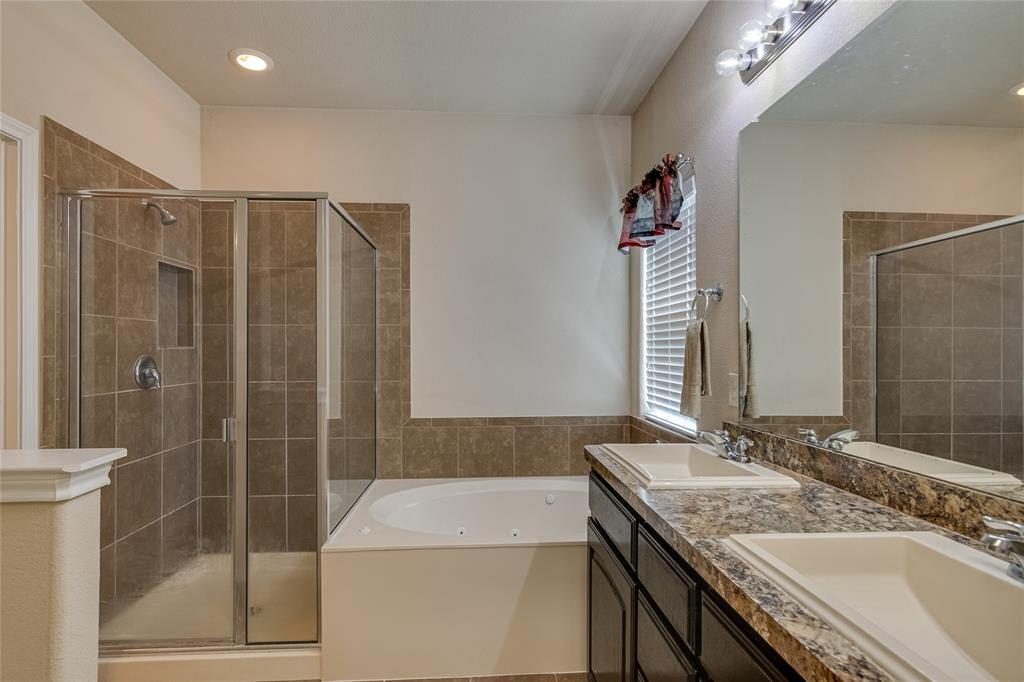 7105 Canisius  Court, Fort Worth, Texas 76120 - acquisto real estate best realtor foreclosure real estate mike shepeherd walnut grove realtor