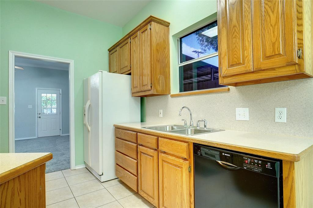 319 6th  Street, Justin, Texas 76247 - acquisto real estate best real estate company to work for