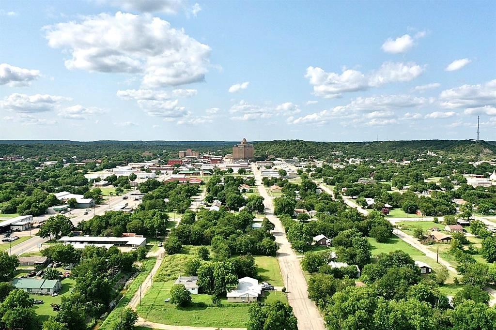 1207 Se 2nd  Avenue, Mineral Wells, Texas 76067 - acquisto real estate best photos for luxury listings amy gasperini quick sale real estate