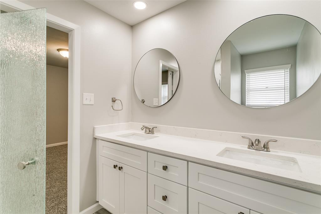 2108 Stonegate  Drive, Bedford, Texas 76021 - acquisto real estate best photos for luxury listings amy gasperini quick sale real estate