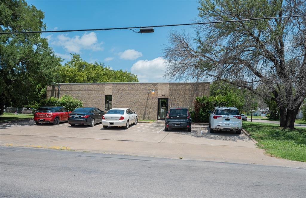 1300 Anglin  Street, Cleburne, Texas 76031 - acquisto real estate best looking realtor in america shana acquisto