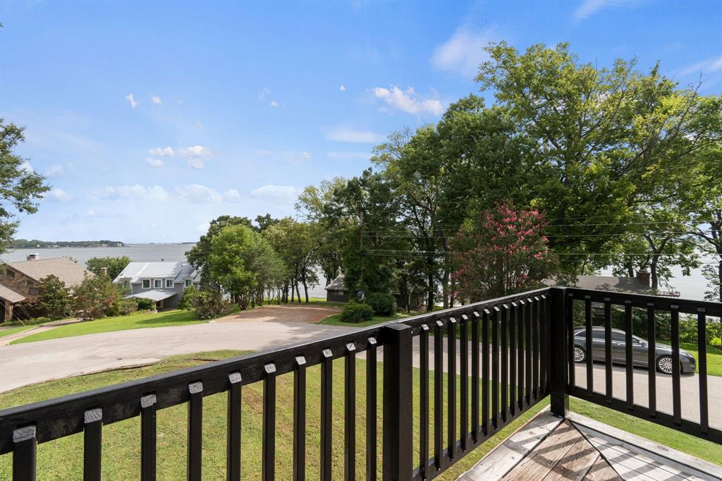 1202 Rim of the World Dr  Tool, Texas 75143 - acquisto real estate best the colony realtor linda miller the bridges real estate