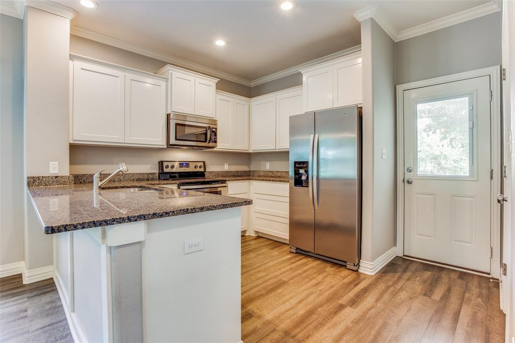 600 Johnson  Street, Denison, Texas 75020 - acquisto real estate best real estate company to work for