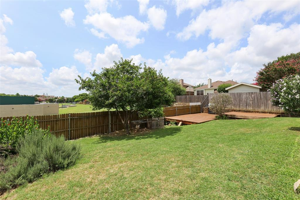 5601 Seafield  Lane, Fort Worth, Texas 76135 - acquisto real estate best realtor foreclosure real estate mike shepeherd walnut grove realtor